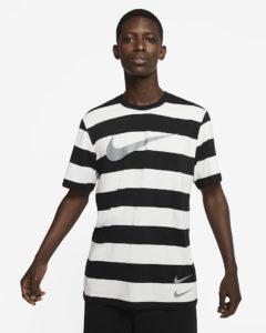 sportswear-swoosh-herren-t-shirt-mit-streifen