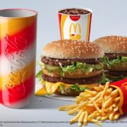 Hamburger Royal Käse für 2,49€ + gratis Coca-Cola Jubiläumsglas zu jedem Doppelpack-Menü bei McDonald's